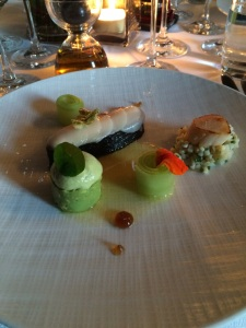 Marinated salmon with nori, scallop with a avocado cream and Sambai vinegrette (4)
